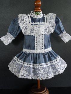 http://www.georgettebravot.com/contents/fr/p1896_robe_de_poupee_bleuette.html