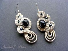 earrings made with soutache and black beads Cercei soutache, realizati din snur soutache de culoare ivory, nasture de culoare hematit si margele hematit