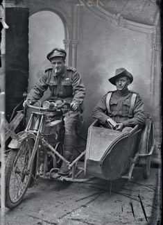 """seahorsesandpearls: """" Two Australian soldiers on leave in France,c. 1916 (Sidney Hubert Carroll is in the side car) """" World War One, First World, Commonwealth, Motos Retro, Ww1 History, History Class, Invention Of Photography, Military Cross, Anzac Day"""