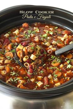 A classic Italian soup this delicious Slow Cooker Pasta e Fagioli Soup takes about 45 minutes to prep then the slow cooker does the magic! - Slow Cooker - Ideas of Slow Cooker Slow Cooker Soup, Slow Cooker Recipes, Cooking Recipes, Healthy Recipes, Healthy Soup, Crock Pot Soup Recipes, Crockpot Meals, Italian Recipes Crockpot, Crock Pot Pasta