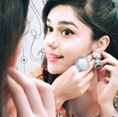 Miley Jab Hum Tum, Dulhan Dress, Pre Wedding Shoot Ideas, Couple Photoshoot Poses, Profile Picture For Girls, Muslim Couples, Girl Photography Poses, Cute Wallpapers, Cute Girls