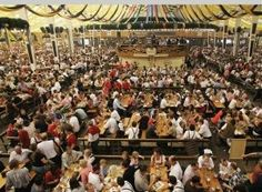 week end piovoso= week end noioso!  Week end divertente= week end Oktoberfest!  http://www.pagliariniviaggi.com/index.php?action=index&p=9&viaggio=713 :)