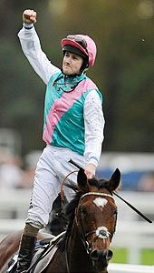 Frankel at Ascot, from the Racing Post.
