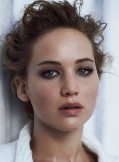 Season's Trend: Grunge – Jennifer Lawrence