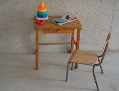 Petit bureau Baumann http://pastpluspresent.blogspot.fr/2014/07/petit-bureau-enfant-baumann.html