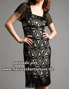 Katia Ribeiro Moda & Decoração Handmade: Vestido em crochê feito com união de motivos ( Com gráfico )