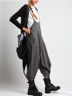 PANTALÓN TIRANTES - JACKETS, JUMPSUITS, DRESSES, TROUSERS, SKIRTS, JERSEY, KNITWEAR, ACCESORIES…