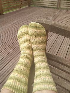garn från Lidl Lidl, Socks, Design, Fashion, Sock Knitting, Threading, Stockings, Moda, Fashion Styles