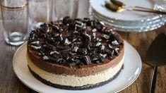 Oreokake med peanøttfromasj og sjokolademousse   Godt.no