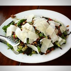 Roka Salata from #Cyma - arugula, romaine lettuce, sun-dried tomatoes, candied walnuts, with shaved parmesan in Traditional Greek Vinaigrette. Too good to be healthy! You should also try their Hirino Pork Chops! What's your food? #philippines #manila #spotmyfood #wheninmanila #restaurant #greekfood #healthyfood #food #salad