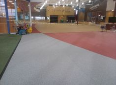 MAIN FLOOR AND TURF. PERFORMANCE SERIES RUBBER