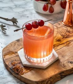 Enzoni, Negroni with Muddled Grapes