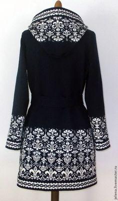 Купить или заказать пальто вязаное с капюшоном.ручной работы. из 100% шерсти. в интернет-магазине на Ярмарке Мастеров. Пальто с капюшоном, связано на вязальной машине.Связано с качественной шерсти.Вяжу пальто как женские так и детские любых размеров,в любой цветовой гамме,по желанию…