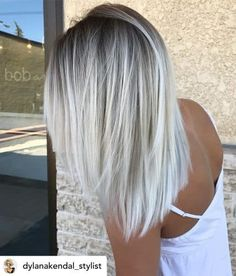 white blonde hair with roots ~ white blonde hair ; white blonde hair with roots ; white blonde hair how to get ; white blonde hair with lowlights Light Ash Blonde, Icy Blonde, Blonde Ends, Ombré Blond, Short Blonde, Blonde Color, Blonde Shades, Hair Shades, Blonde Hair With Dark Roots