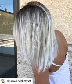 white blonde hair with roots ~ white blonde hair ; white blonde hair with roots ; white blonde hair how to get ; white blonde hair with lowlights Light Ash Blonde, Icy Blonde, Blonde Color, Blonde Ends, Ombré Blond, Short Blonde, Blonde Shades, Hair Shades, Blonde Hair With Dark Roots