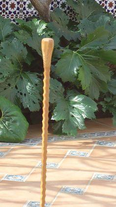 Baston nº 60. En madera de roble japones,vaciados a cuatro caras, salomonico.Coleccion  rcuetosevilla@gmail.con Málaga