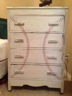 I kinda want to do this in my Braves room :D