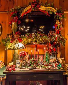 Vintage Christmas Pub room. Buffalo Christmas House Tour 2016