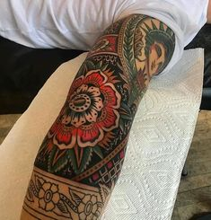 The Effective Pictures We Offer You About Tattoo Style ink A quality pic Elbow Tattoos, Old Tattoos, Body Art Tattoos, Sleeve Tattoos, Upper Arm Tattoos, Tattoo Model Mann, Tattoo Models, Mangas Tattoo, Oldschool Tattoos