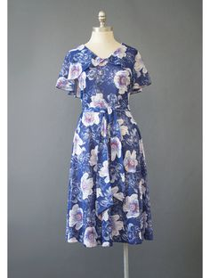 SALE - Blue Floral Dress - 70s Dress - Boho Dress - 1930s Style Flutter Sleeve Full Skirt Midi Dress - Bohemian Dress - 1970s Dress M/L