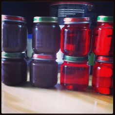 Make Pudding and Jell-o in baby food jars! Homemade snack packs for $.50 and recycling jars =)