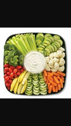 Baby shower food snacks appetizers veggie tray 62 new Ideas Veggie Platters, Food Platters, Vegetable Trays, Diy Party Platters, Vegetable Tray Display, Fresh Vegetables, Fruits And Veggies, Healthy Snacks, Healthy Recipes