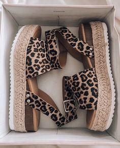 Fashion Sock Shoes, Cute Shoes, Me Too Shoes, Shoe Boots, Shoe Closet, Summer Shoes, Crazy Shoes, Shoe Game, Shoes Sandals
