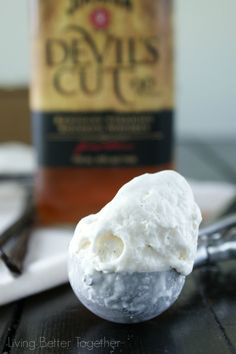 Bourbon & Vanilla Bean No Churn Ice Cream   www.sugarandsoul.co