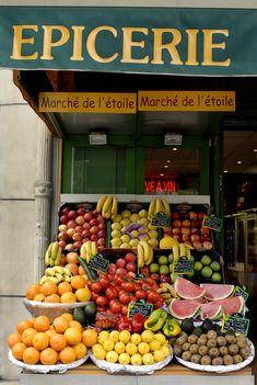 Epicerie  Paris. Beautiful shops, markets and cafes