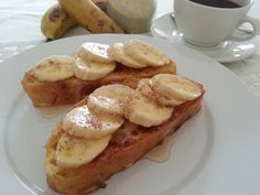 French Toast with Banana and Honey - Amazing Saturday morning breakfast. Banana French Toast, Morning Breakfast, Saturday Morning, Veggies, Honey, Meals, Amazing, Food, Morning Coffee