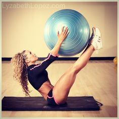 Iconic Fitness Model Lyzabeth Lopez's Best 44 Pics Gallery! [Female Gym Motivation]