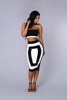Outside the Box Skirt - Black