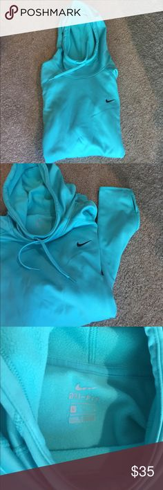 Nike Large Sweater Nike Large Sweater with thumb holes- in Excellent Condition/ Tiffany Blue Nike Sweaters