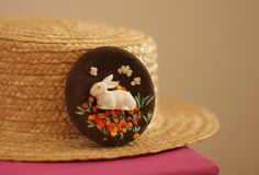 Broche Paulette Justine and cow