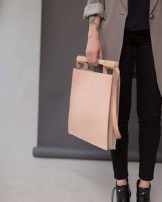 46 Minimalist Handbag Designs - From Vintage Geometric Purses to Minimalist Menswear Totes (TOPLIST)