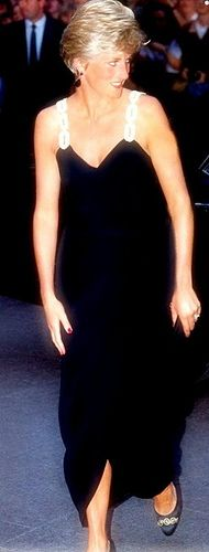 """July 22, 1991:Princess Diana & Prince Charles arrive at the Empire, Leicester Square for the premiere of the film, """"Backdraft"""". They met actors, Kurt Russell & William Baldwin."""