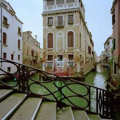 Liu Bolin: Camouflage Artist - and in one of my favorite places - Venice!