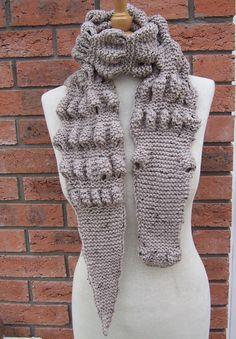 @Mindy Burton Burton Carpenter Hefner Hand Knitt Unisex Alligator/Gator/Crocodile Chunky by evefashion, £27.00