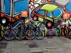 """Que tal dar uma volta de bicicleta de graça nas ruas da capital? O projeto """"Moving Bike"""", da rede de estacionamentos Moving Vinci Park, empresta as magrelas de segunda a domingo, das 8h às 18h, no Moving Center."""