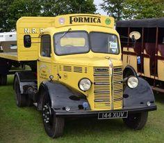Bedford Vintage Trucks, Old Trucks, Classic Trucks, Classic Cars, Bedford Truck, Old Lorries, Old Wagons, Road Transport, Commercial Vehicle