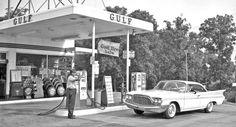 Atlanta Georgia – Wagstaff Motors De Soto and Plymouth @ http://theoldmotor.com/?p=169486 #classiccar #vintagecar #1960s #desotofiresweep
