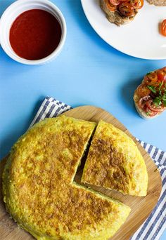 Quick Spanish Omelette - Perfect for breakfast! - spanish omelette table setup #authentic #no cheese | hurrythefoodup.com