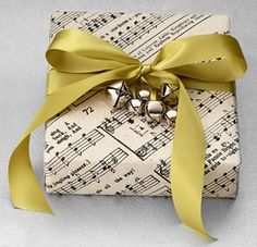 pretty gift wrapping ideas | ... kind!! This is just one of Country Living's 13 Wrapping Ideas