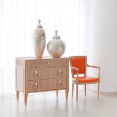 . Country Furniture, Shabby Chic Furniture, Home Furniture, Modern Furniture, Furniture Storage, Tango, 1920s Interior Design, French Country Bedrooms, How To Distress Wood