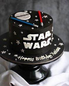 46 Ideas Birthday Cake Buttercream Boy Star Wars For 2019 - Star Wars Cake - Ideas of Star Wars Cake - 46 Ideas Birthday Cake Buttercream Boy Star Wars For 2019 Star Wars Birthday Cake, New Birthday Cake, Star Wars Party, Birthday Fun, Star Wars Cake Toppers, Star Wars Cupcakes, Bolo Star Wars, Aniversario Star Wars, Birthday Cake Illustration