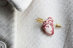 Cupid's arrow  brooch / Red embroidered anatomical door LesMirettes, €25.00