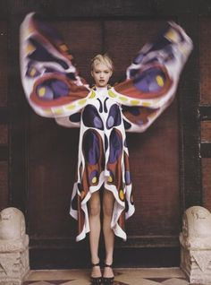 photo de mode : robe papillon Gemma Ward, Vogue