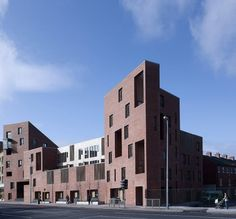 Timberyard Social Housing / O'Donnell + Tuomey Architects- a great dublin development by a company I would work for in a milisecond Brick Architecture, Residential Architecture, Arch House, Student House, Brick Facade, Social Housing, Brick Building, Brickwork, Land Scape