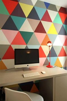 Colorful Apartment Design in the Chic District of Paris - Home Decorating Inspiration Colorful Apartment, Triangle Wall, Geometric Wall Art, Geometric Wallpaper, Bold Wallpaper, Trendy Wallpaper, Office Walls, Study Office, Deco Design