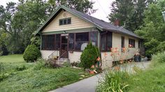 707 Patrick St. Flint, MI.  Package deal with 705 Patrick St.  2 bdrm ranch that's in the historic district of Flint.  Walking distances to Hurley Med. Center, Downtown for entertainment and restaurants.  Home needs some TLC, but has  a tenant paying good rent.  #flintinvestor #forsale #realtor